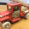 Holz geschnitzt Modell Auto Spielzeug rotierenden Rad Waldorf Spielzeug Feuerwehrauto