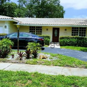 4 Bedroom Home for Sale 2800 sq.ft, 3881 North 38th Avenue, Zip Code 33021