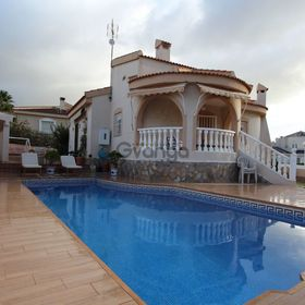 2 Bedroom Villa for Sale, Quesada