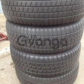 215/70/15 x4 Pirelli tyres 75% sm.