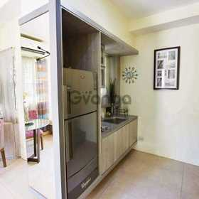 Rent to own 3 bdr house balcony and car park nr malls