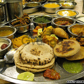 Gujarti tiffin service in Mumbai
