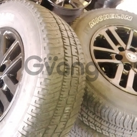 Set of 265/65/17 Michelin white wall