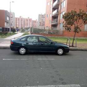 Renault Laguna 1.8 MT (90hp) 1998
