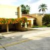 Casa en renta en club de golf Santa Anita con recamaras en planta baja