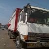 Camion mitsubishi de 4 ejes