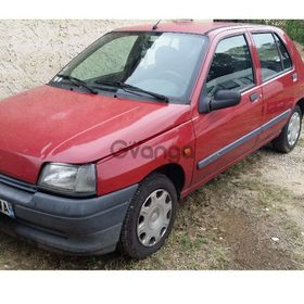 Renault Clio 1.4 AT (98 hp) 1999 1079