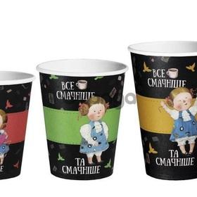 """Паперові стакани """"Аліса в країні чудес""""."""