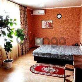 Сдается в аренду квартира 2-ком 84 м² Хрустальная ул., 60б