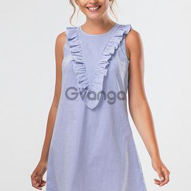 Синее платье с рюшами