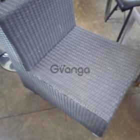 Продам кресло б/у прямое из искуственного ротанга для кафе, бара, ресторана
