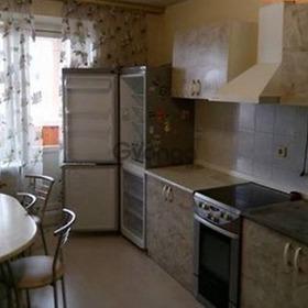 Сдается в аренду квартира 3-ком 68 м² Голосеевский пр-т, метро Голосеевская