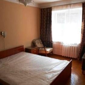 Сдается в аренду квартира 2-ком 45 м² Леси Украинки бульв., метро Кловская