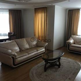 Сдается в аренду квартира 3-ком 95 м² Героев Обороны ул., метро Выставочный центр