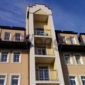 Продается квартира 2-ком 67 м² Парковая