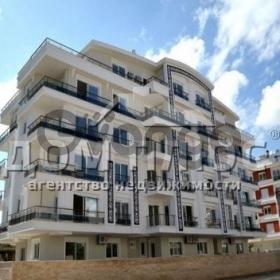 Продается квартира 2-ком 64 м²
