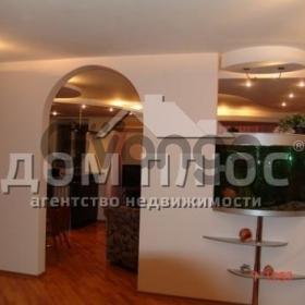 Сдается в аренду квартира 3-ком 90 м² Верховинная