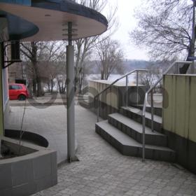 Нежилое помещение (офис, кафе) на набережной в Запорожье.