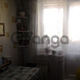 """Продается Квартира 2-ком кв-л """"В"""", 4"""