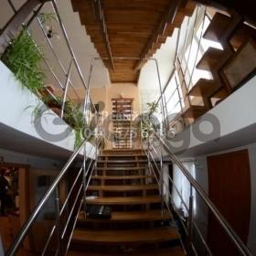Сдается в аренду дом 250 м² ул. Садовая (Осокорки), метро Осокорки