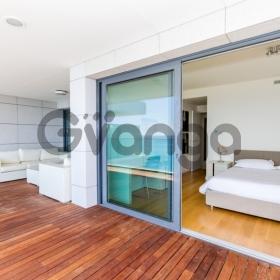 Сдается в аренду Апартаменты 3-ком 185 м²