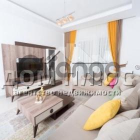 Продается квартира 2-ком 65 м²