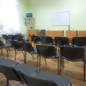 Сдам почасово зал в центре Харькова, недорого