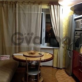 Сдается в аренду квартира 3-ком 98 м² Малый, 19