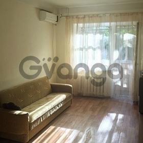 Сдается в аренду квартира 3-ком 60 м² Ленина, 48