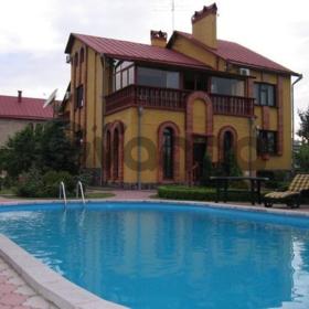 Посуточная аренда дома с бассейном в Борисполе.