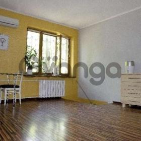 Продается квартира 2-ком 57 м² Уманская ул.