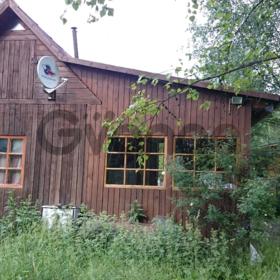 Продам участок с - домик, баня, гараж, лодка
