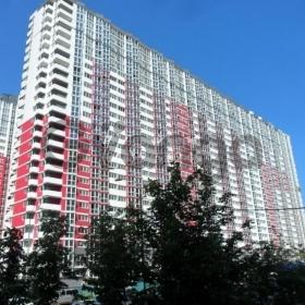 Продается квартира 2-ком 69 м² ул. Драгоманова, 2, метро Позняки