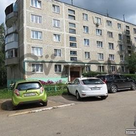 Продается квартира 4-ком 61.5 м² мкр. Внуковский д .14