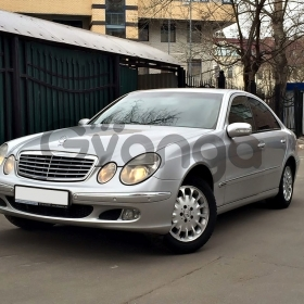 Mercedes-Benz E-klasse 240 2.6 AT (177 л.с.) 2003 г.