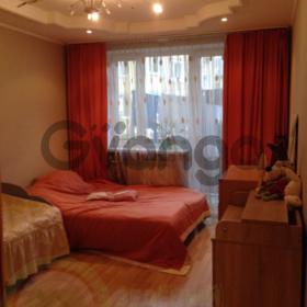 Продается квартира 3-ком 68 м² Стекольная