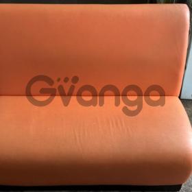 Диван б/у оранжевый