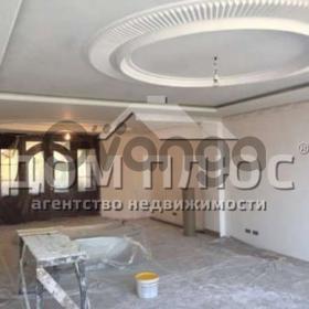 Продается квартира 4-ком 209 м² Полтавская