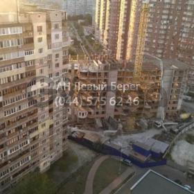 Продается квартира 2-ком 66 м² ул. Драгоманова, 35, метро Позняки