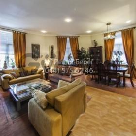Продается квартира 3-ком 124 м² ул. Шелковичная, 32/34, метро Крещатик