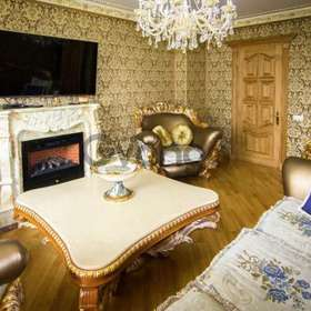 Продается квартира 3-ком 112 м² Полтавская ул., д. 10, метро Лукьяновская