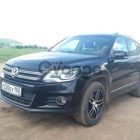 Volkswagen Tiguan 2.0 AT (170 л.с.) 4WD 2011 г.