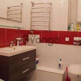 Продается квартира 2-ком 87 м² Вышгородская ул.