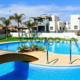Недвижимость в Испании,Новый дом рядом с морем от застройщика в Торревьехе,Коста Бланка,Испания