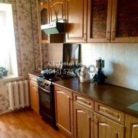 Продается квартира 2-ком 65 м² ул. Драгоманова, 31в