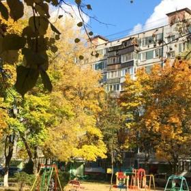 Сдается в аренду квартира 3-ком 59 м² Колхозная7