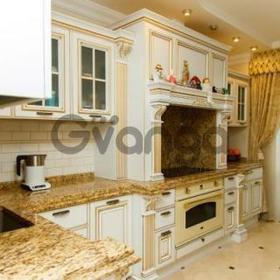 Продается квартира 4-ком 165 м² ул. Большевистская, 20