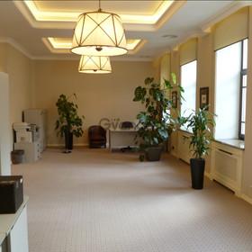 Сдается в аренду  офисное помещение 300 м² Садовая б. ул. 10