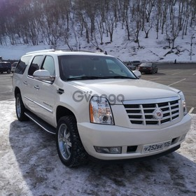 Cadillac Escalade ESV 6.2 AT (409 л.с.) 4WD 2010 г.
