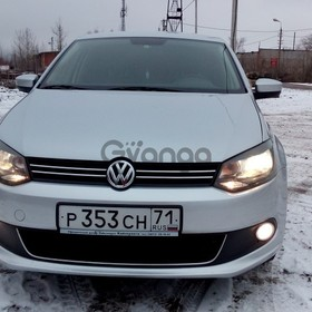 Volkswagen Polo 1.6 AT (105 л.с.) 2013 г.